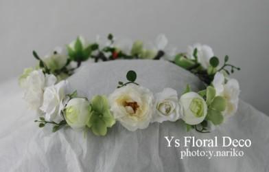 白いお花の花冠&お揃いのリストレット_b0113510_0454679.jpg