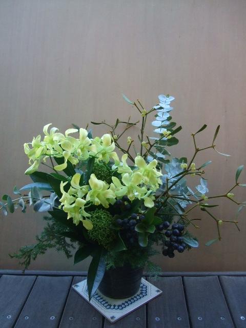 オークリーフ(デンファレ・レモンブーケのアレンジメント)_f0049672_1265614.jpg