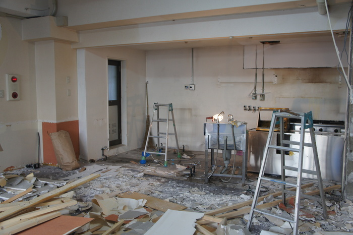2 工事が始まりました。_d0209183_22241277.jpg