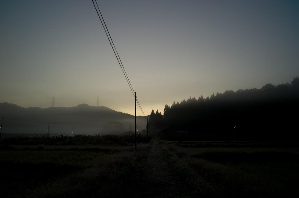 夜明け前_c0065410_2010476.jpg