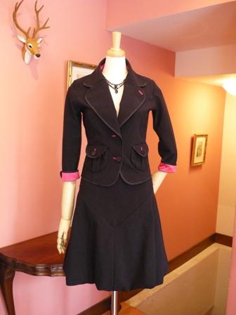気分をアゲてくれる、黒のスーツよっ_f0215324_1128552.jpg