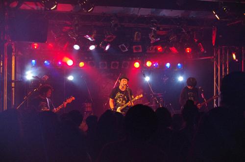 杉本恭一、最高の音楽に笑いと涙を加味した、恒例の年末ワンマンツアー開催中_e0197970_1092177.jpg