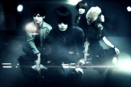 注目を集める男女混合4ピースバンド、THE UNIQUE STARがフジテレビ『FACTORY』に参加決定!_e0197970_12342577.jpg