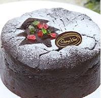 クリスマスケーキは、ついつい、「あれもこれも」頼んでしまいます。_e0188087_23412784.jpg