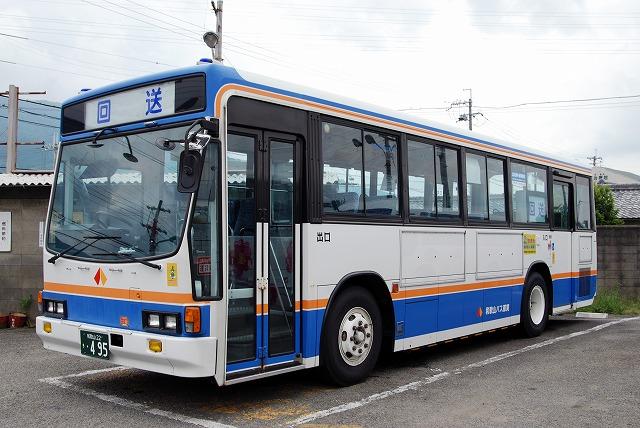 和歌山バス那賀~キュービック&レインボー~_a0164734_1311348.jpg