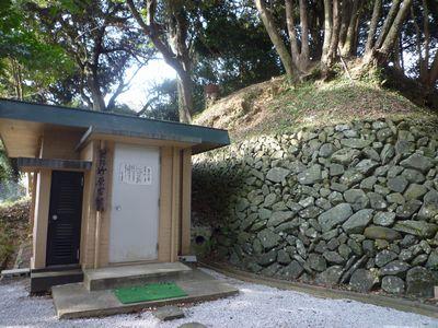 竹原古墳(1)この優美な装飾壁画は通年公開!_c0222861_13315145.jpg