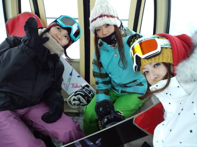 初滑り ☆ 札幌国際スキー場_c0151965_22432326.jpg