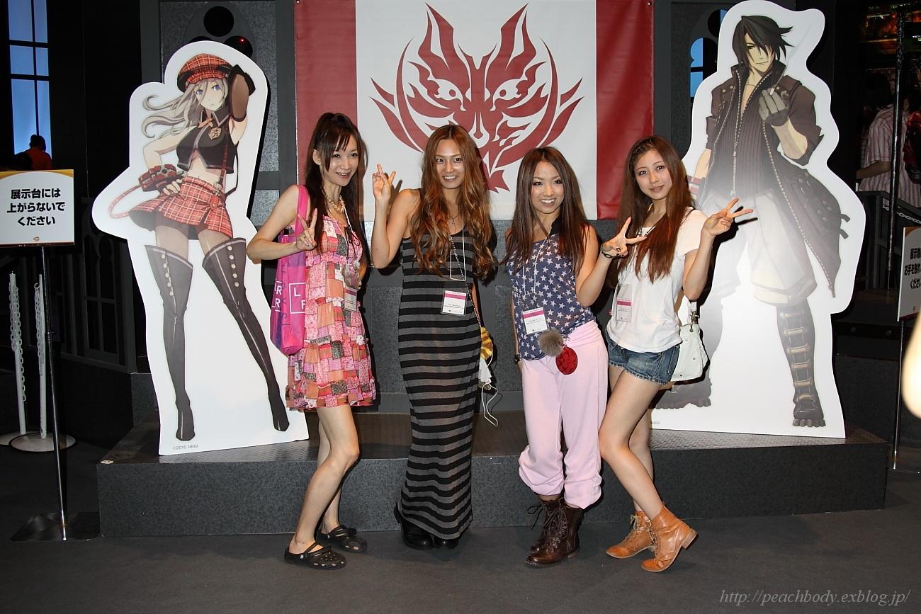武井麻実(アサミ)さん (左から2番目)_c0215885_22462248.jpg