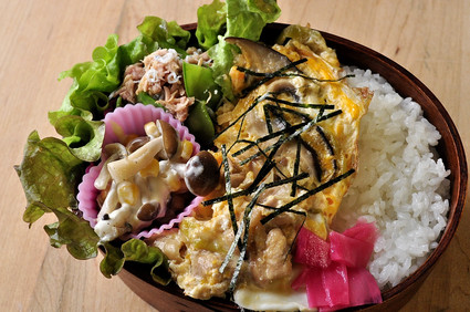 ふんわり親子丼のお弁当_b0171098_824740.jpg