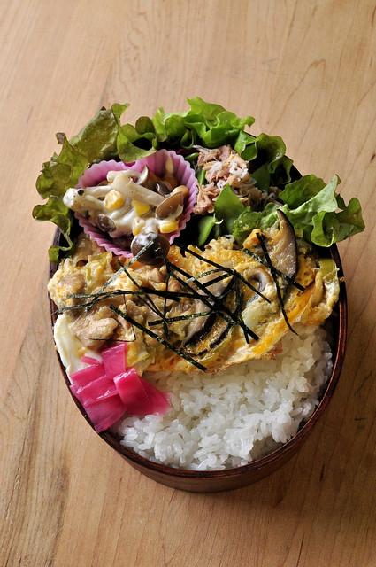 ふんわり親子丼のお弁当_b0171098_852541.jpg