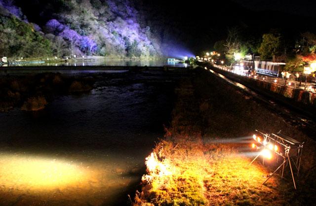 京都・嵐山花灯路1 渡月橋あたり_e0048413_1431573.jpg