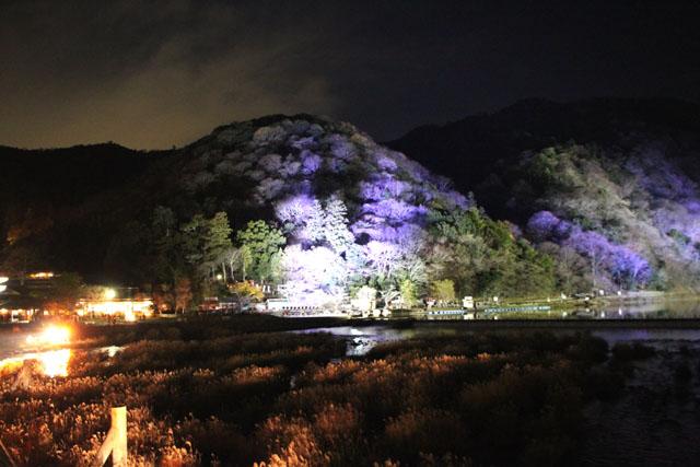京都・嵐山花灯路1 渡月橋あたり_e0048413_1432865.jpg