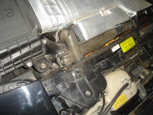 ラジエターから冷却水が漏れてます・・・。_e0003660_21115350.jpg