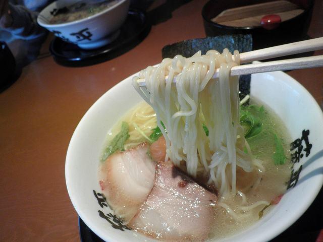 らー麺 藤平     川西多田店_c0118393_1713589.jpg