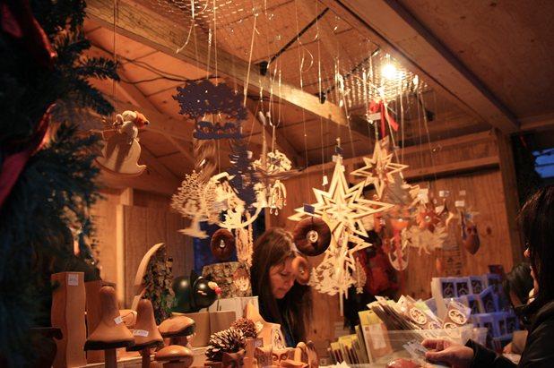 ディステラリーで クリスマス・マーケット_c0126120_9324120.jpg