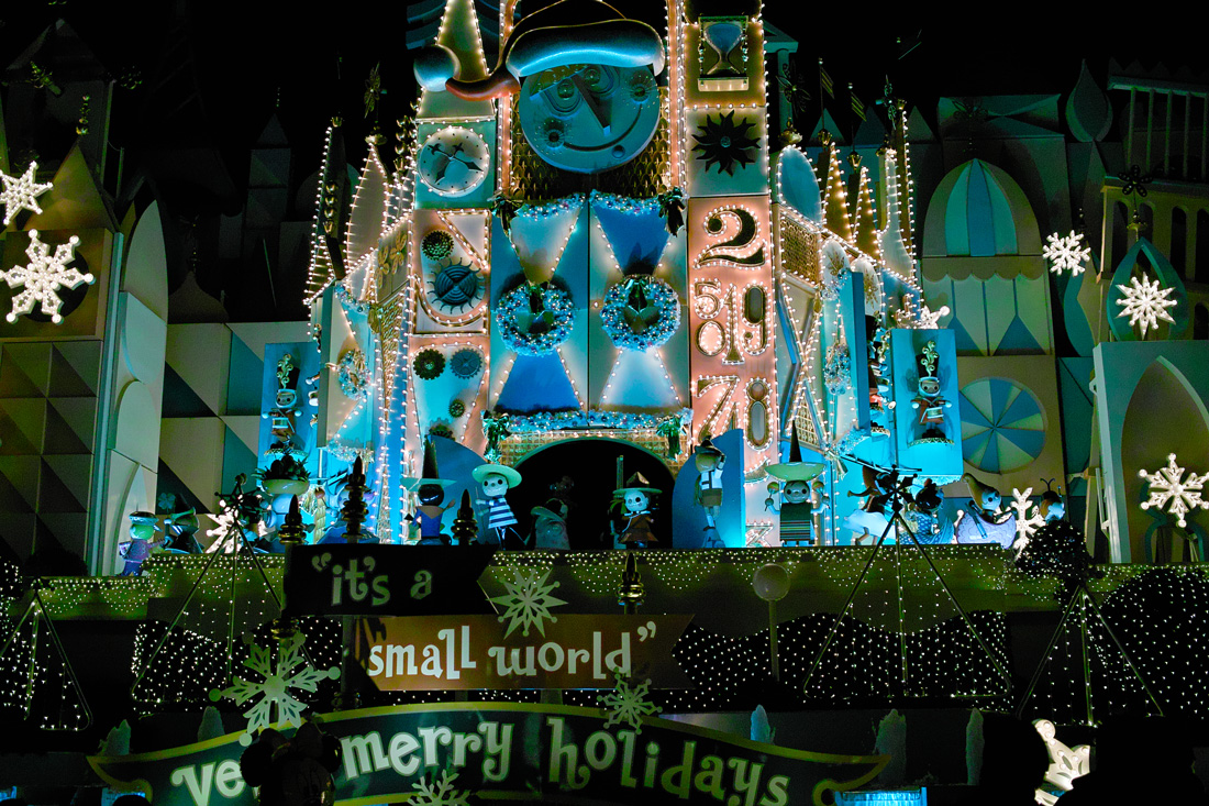 Tokyo Disney Land X'masFantasy2010③~it\'s a small world~_c0223825_1574866.jpg