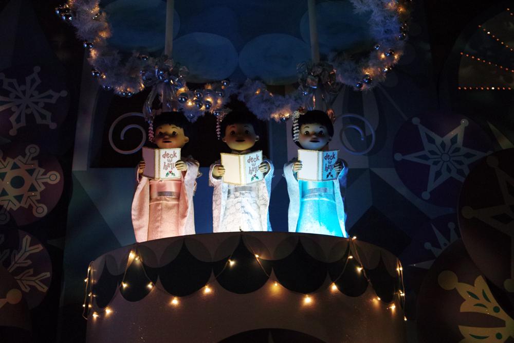 Tokyo Disney Land X'masFantasy2010③~it\'s a small world~_c0223825_2122846.jpg
