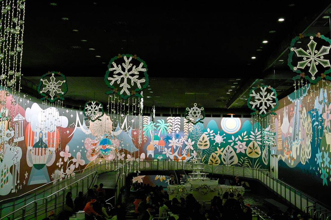 Tokyo Disney Land X'masFantasy2010③~it\'s a small world~_c0223825_22336.jpg