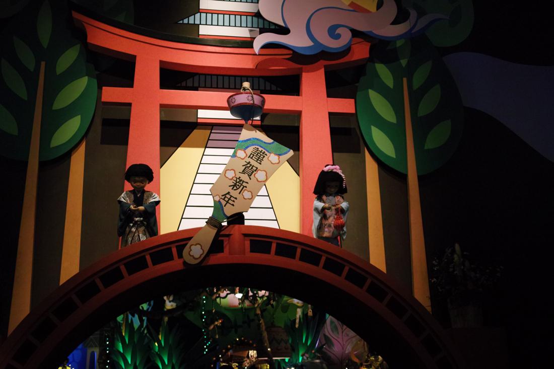 Tokyo Disney Land X'masFantasy2010③~it\'s a small world~_c0223825_233928.jpg