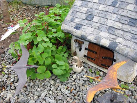 ガーデン・スモールハウス物語  続  オキザリスの森で_f0129726_22234960.jpg