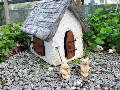 ガーデン・スモールハウス物語  続  オキザリスの森で_f0129726_22302185.jpg