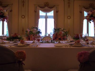 木の家と晩餐会 あるホテル様への装花_a0042928_17423222.jpg