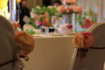 木の家と晩餐会 あるホテル様への装花_a0042928_17475326.jpg