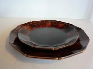 安齋新さん、厚子さんのアメ釉輪花7寸皿、5.5寸皿_b0132444_16574924.jpg
