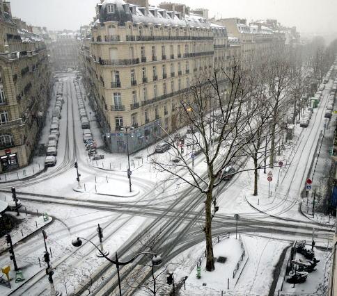 パリは今日も雪です。_c0090198_4445978.jpg