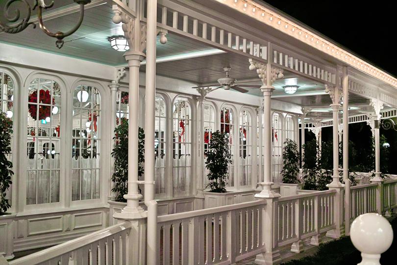 ディズニーランドのディナータイム~ Crystal Palace のクリスマス スペシャルブッフェ~_c0223825_1483898.jpg