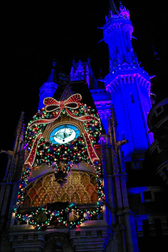 ディズニーランドのディナータイム~ Crystal Palace のクリスマス スペシャルブッフェ~_c0223825_1494419.jpg