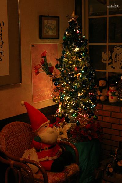 今年のクリスマスツリー_c0048494_1052664.jpg