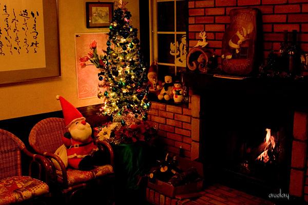 今年のクリスマスツリー_c0048494_1053872.jpg