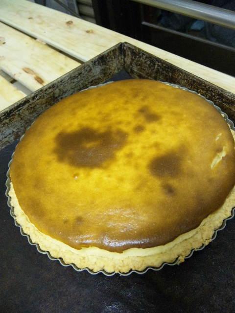 チーズケーキ焼き上がりました。_a0072505_17222256.jpg