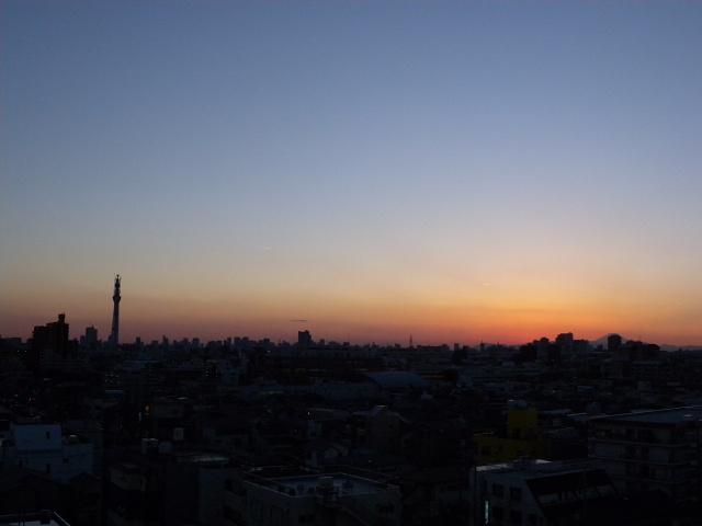 夕暮れの東京スカイツリーと富士山_e0089232_22195328.jpg