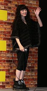 栗山千明、新曲は浅井健一プロデュース&Vocalコラボの衝撃ロック!_e0025035_155971.jpg
