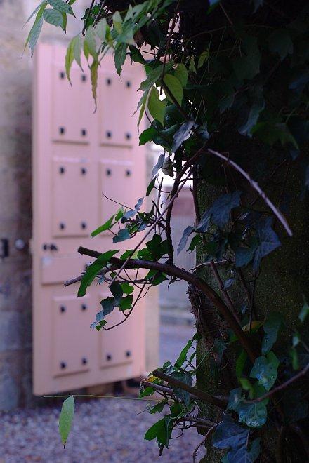 オーベル・シュル・オワーズ   静かな地の建物_e0171336_1404977.jpg