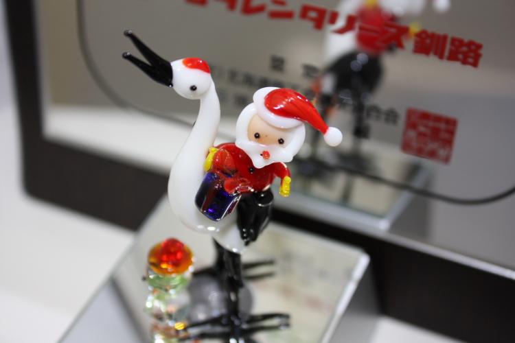 サンタは鶴に乗ってやって来る 12月22日_f0113639_1950413.jpg
