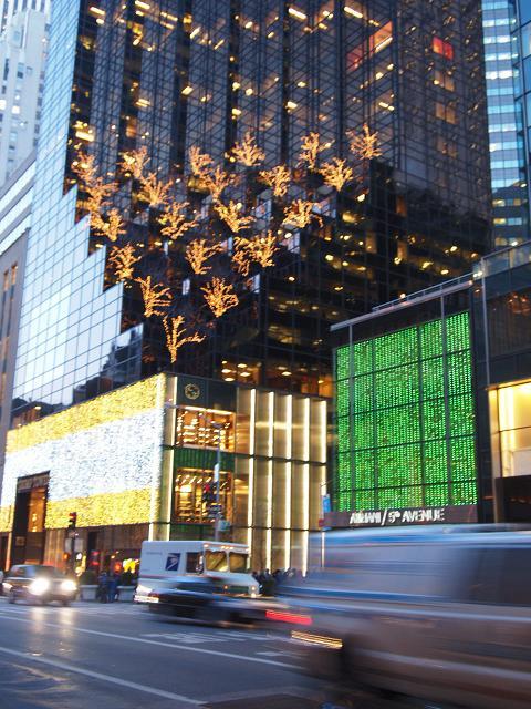 Big Appleへ ~クリスマスウィンドウ~_e0147716_21361088.jpg