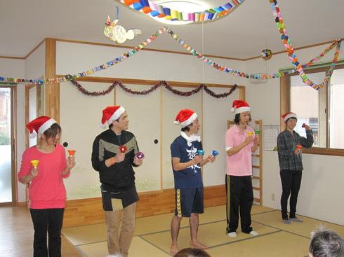 クリスマスお楽しみ会_e0142373_18494864.jpg