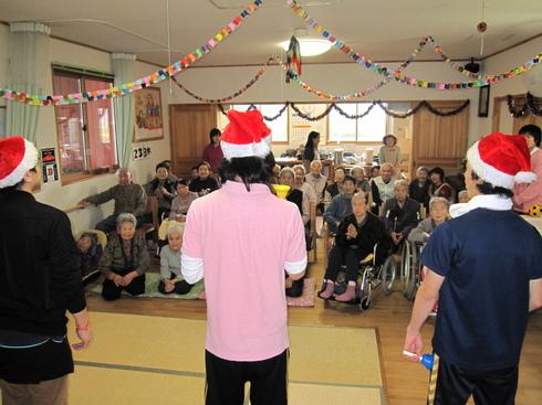 クリスマスお楽しみ会_e0142373_18503450.jpg