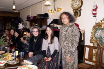 グループ展「小品展」初日@アートイマジンギャラリー/クリスマスパーティー@カフェ・デ・ロジェ_f0006713_5143580.jpg