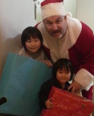 サンタさんがやってきた!_d0148223_23212230.jpg