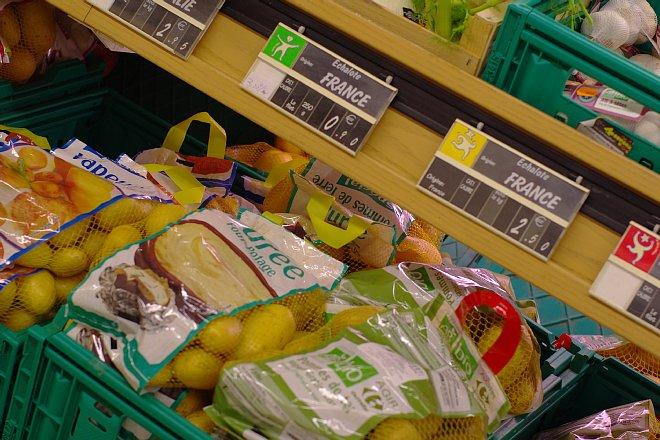 街のスーパーマーケット_e0171336_1149095.jpg