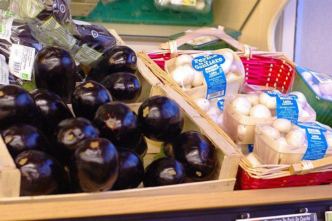 街のスーパーマーケット_e0171336_1150329.jpg