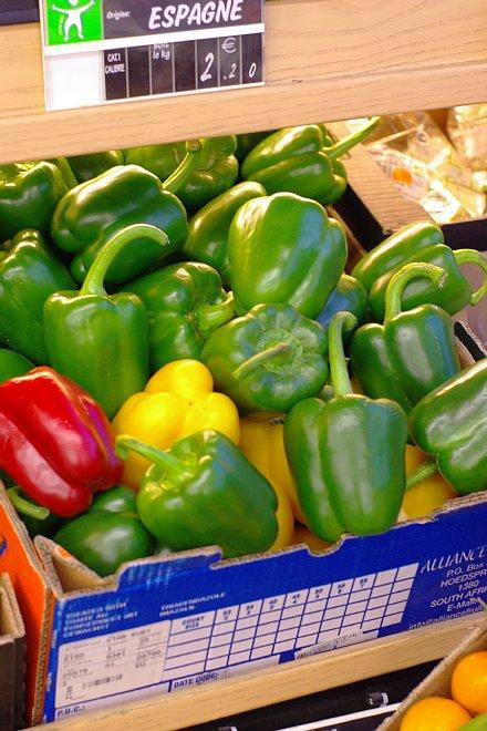街のスーパーマーケット_e0171336_11562972.jpg