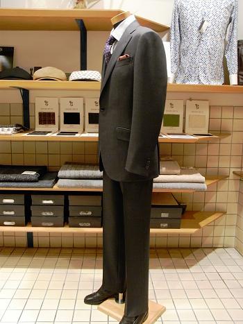 """秋田大潟村から「こんにちは」 ~ 【TUWAMONOスーツ】がよく似合う""""農業侍""""がやってきた!編_c0177259_18175493.jpg"""