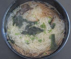 養々麺 (荒金さんより)_f0017696_16203987.jpg