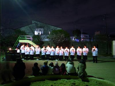 公園できく「きよしこの夜」2010 ひとの声は_c0069903_6393610.jpg