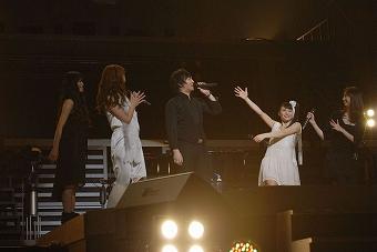 カンノヨーコ produce「マクロスF 超時空スーパーライブ Merry Christmas with out You」レポート_e0025035_1281511.jpg